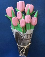 bouquet-of-tulips-sugar-cookies