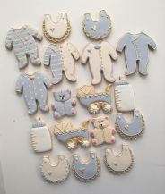 baby-shower-cookies-blue-and-cream